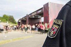 Полуголый мигрант ранил трёх полицейских в Баварии