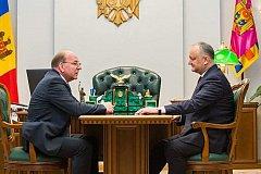 Президент Молдовы и посол России обсудили выборы в парламент республики