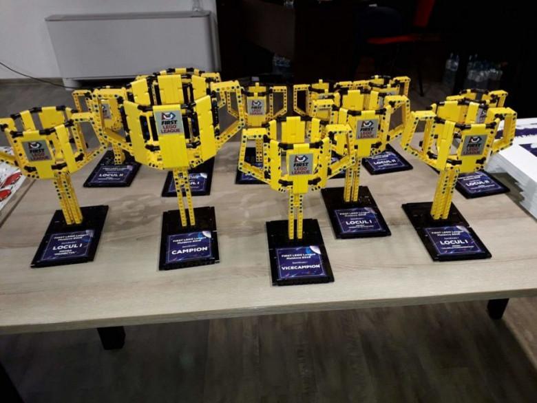 Школьники о дисциплине будущего - робототехнике: Я хотел иметь дома робота фото 4