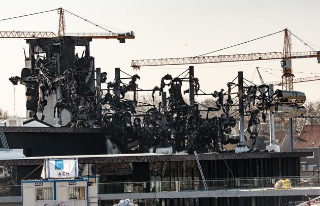 В Бельгии сгорел аквапарк за 33 миллиона евро фото 4
