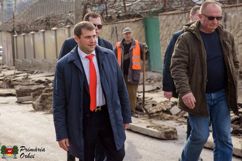 """Илан Шор: """"Пока политики лишь болтают, я строю дороги"""" фото 2"""
