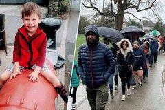 Тысячи человек часами стояли под дождём для спасения больного малыша