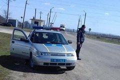 Украинские гаишники предложили подвезти водителя из РМ к банку, чтобы он снял деньги и дал им взятку