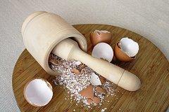 Чем полезна яичная скорлупа?