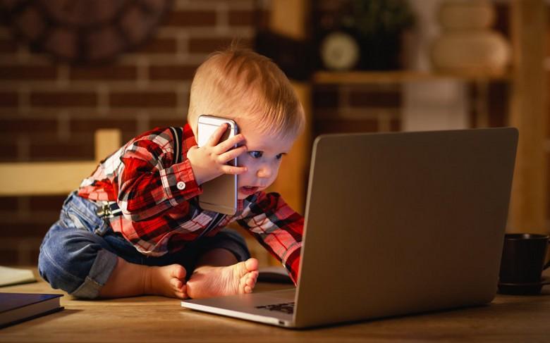 Никогда ребенок не «заработает» компьютерную зависимость в семье, в которой родители уделяют ему достаточно внимания...