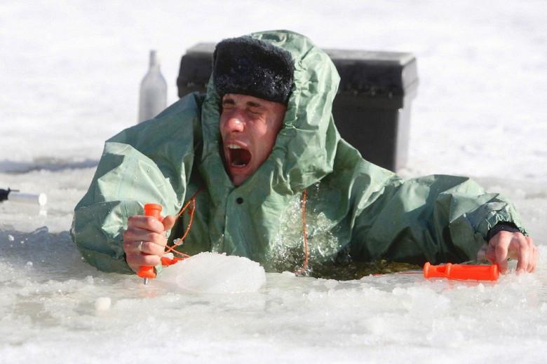 Тонкий лёд опасен!