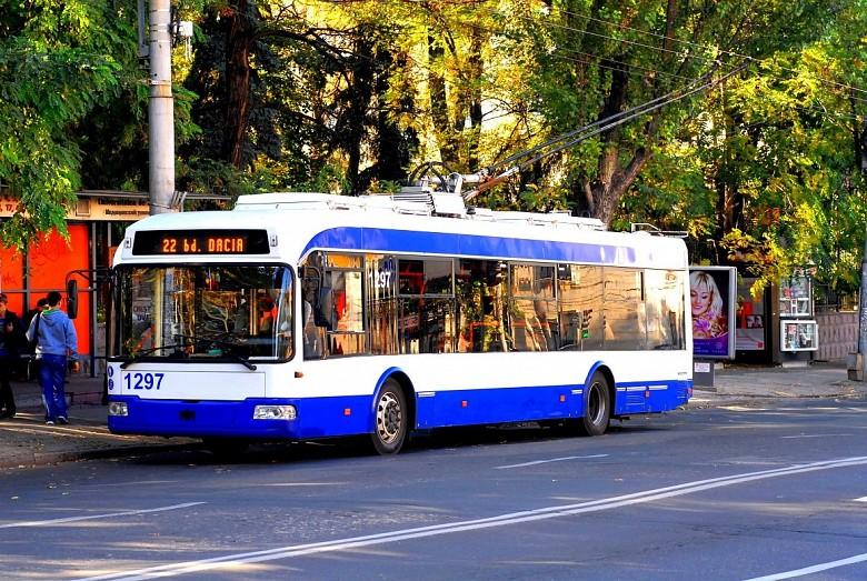 В общественном транспорте больше нет толкотни