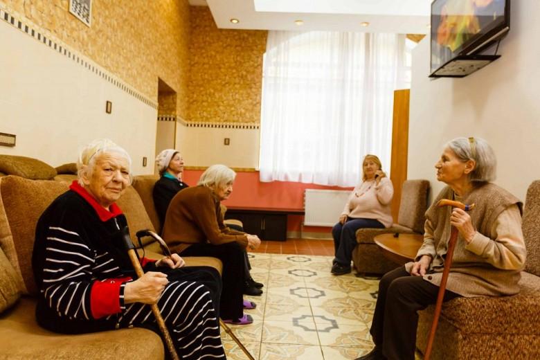 Уже 26 постояльцев Яблонского Дома престарелых инфицированы коронавирусом