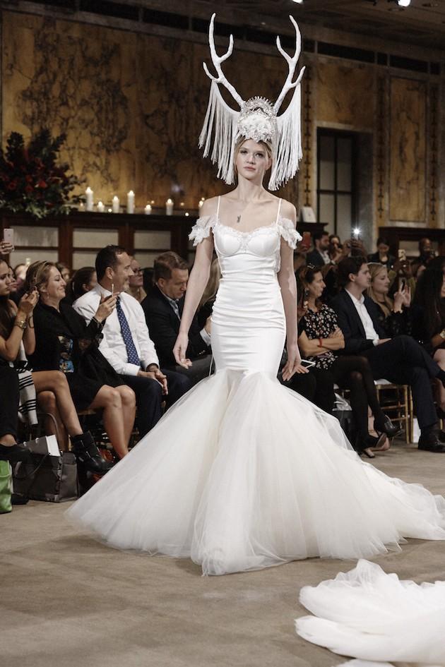Необычные свадебные платья фото 13