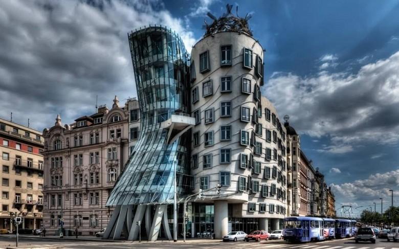 Жилой «Танцующий» дом, Прага