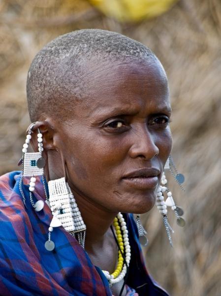 Длинная мочка уха, женщина племени «Масаи», Кения
