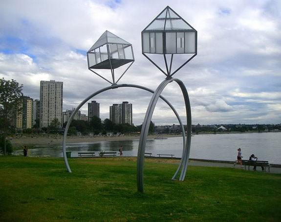Памятник Обручальным кольцам, Канада