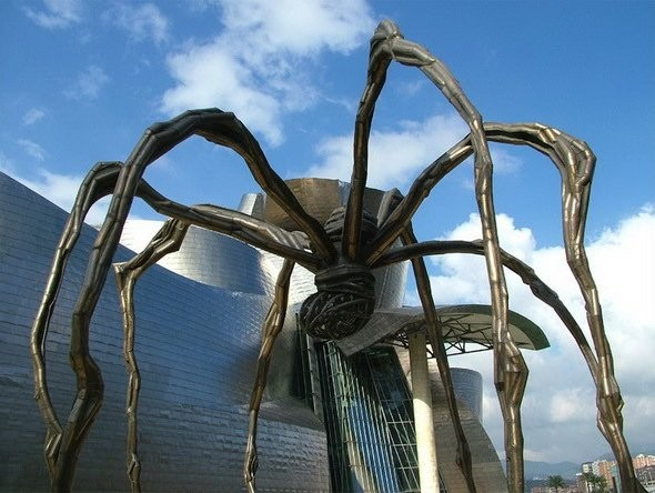Памятник Пауку, Испания