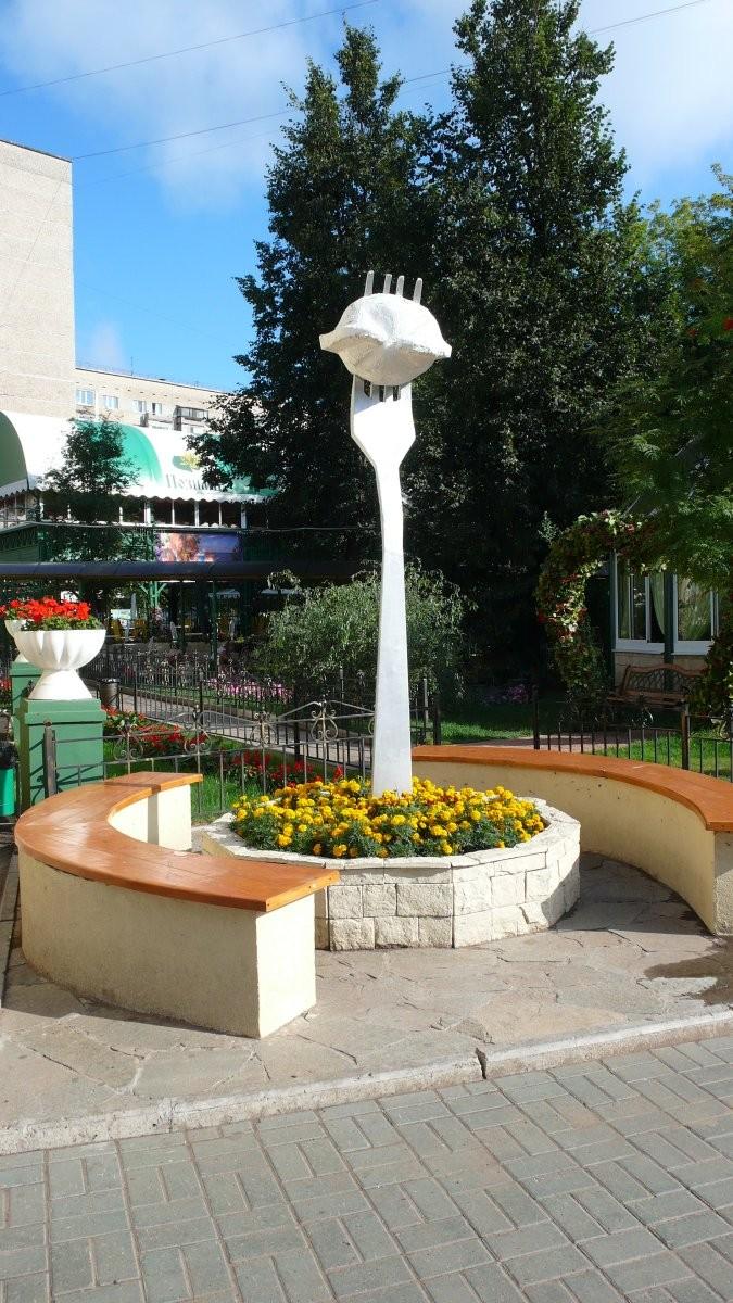Памятник Пельменю, Ижевск