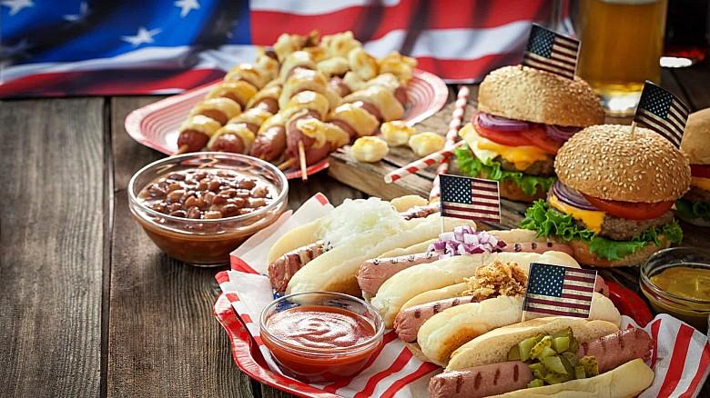 Хот-дог и гамбургер. Америка