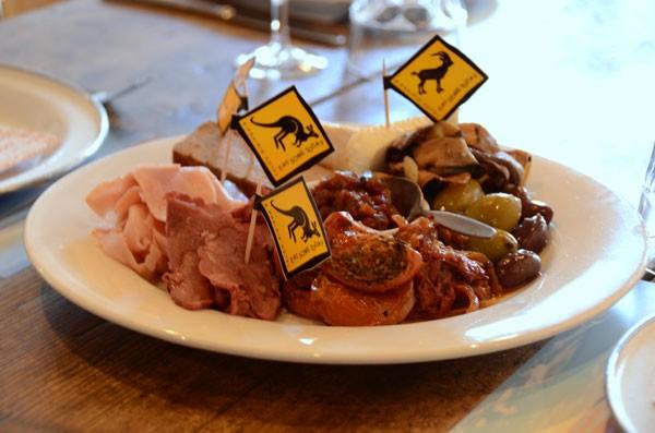 Мясо кенгуру. Австралия