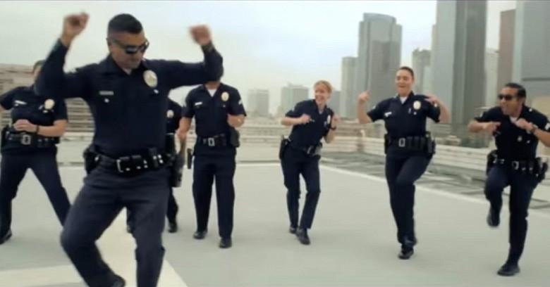 Полиция не только наказывает...